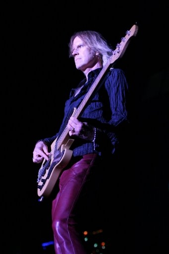 Aerosmith Tom Hamilton On Bass