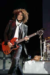 Aerosmith Joe Perry On Guitar