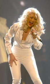 Christina Aguilera Singing Her Heart Out