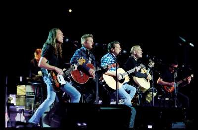Eagles Band Live On Stage