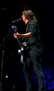 Dave Grohl Singing At Madison Square Garden