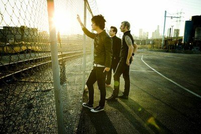 Green Day Fence 1